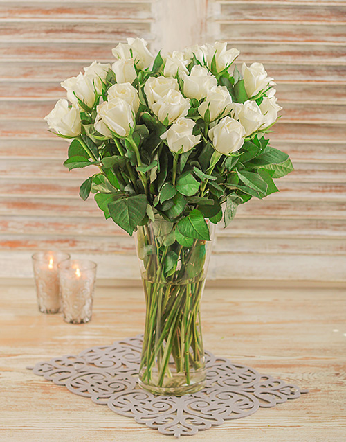 anniversary: White Roses in a Glass Vase!