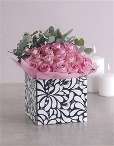 gifts: Pink Roses in Black and White Box!