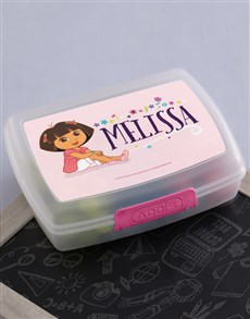 gifts: Personalised Dora Lunchbox!
